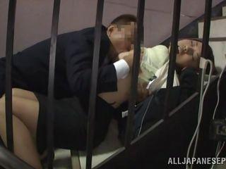 русский муж ебет жену в рот