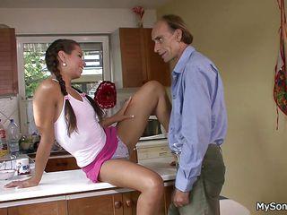 Смотреть бесплатно порно зрелые женщины в чулках